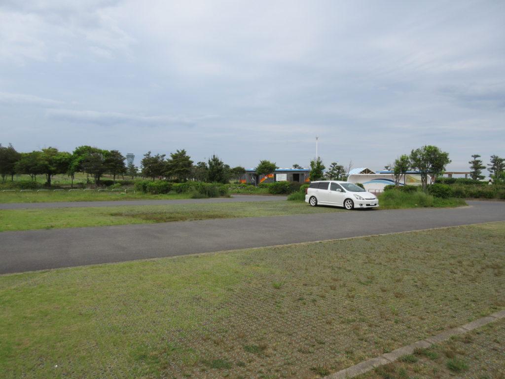 県立大洗海浜公園の駐車場の画像(トイレとシャワーあり)