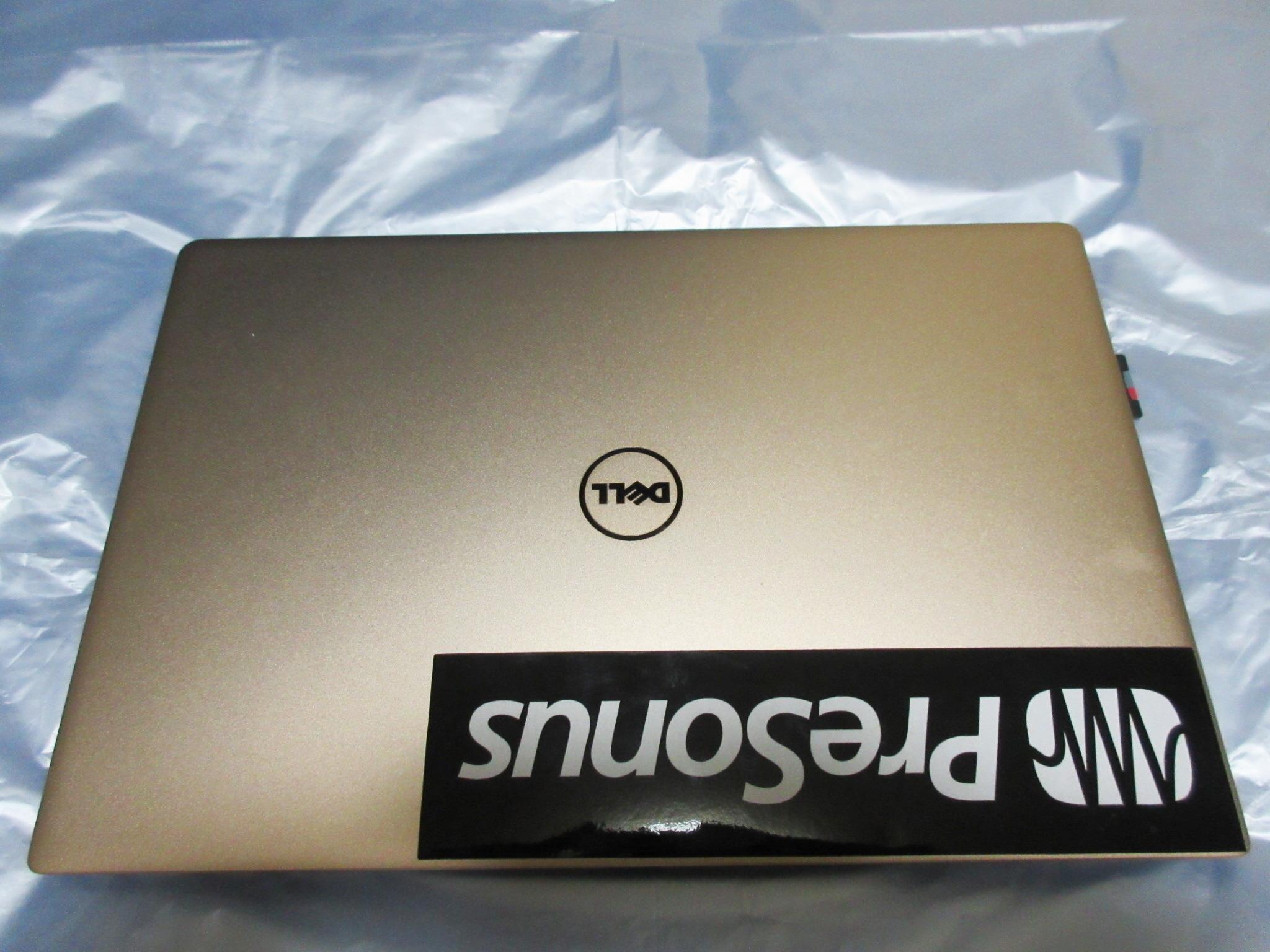 Dell XPS13(9360)の前面の画像